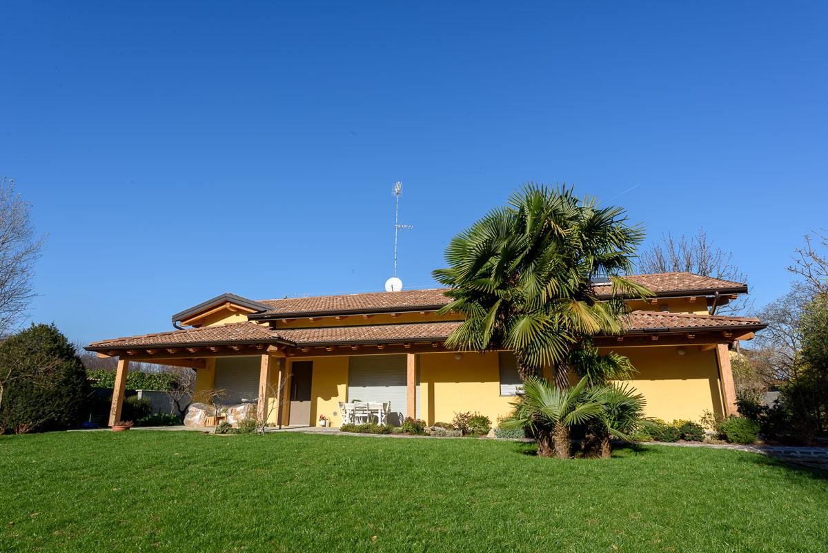 Corbetta villa ad un piano prefabbricata in legno for Villa legno